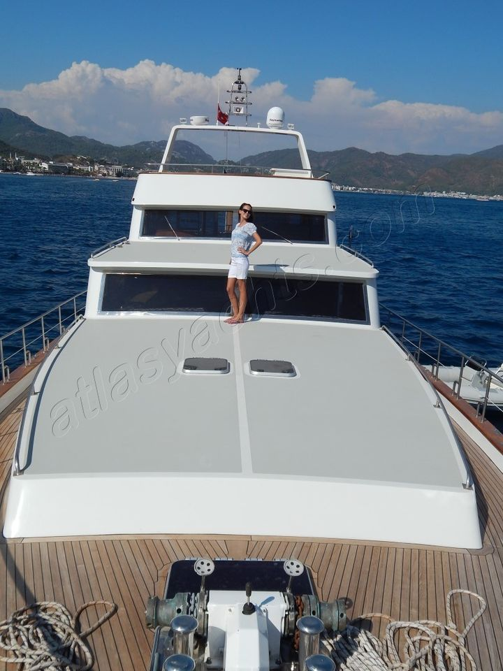 22M Motoryacht WITH 3 Cabins