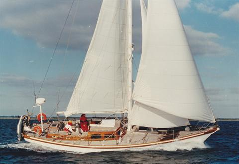 44 Pilothouse - Centreboard