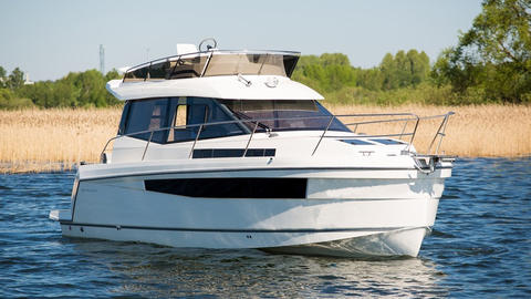 989 Platinum Flybridge