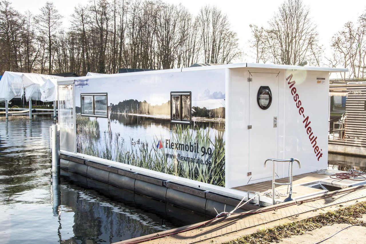 Flexmobil Houseboat