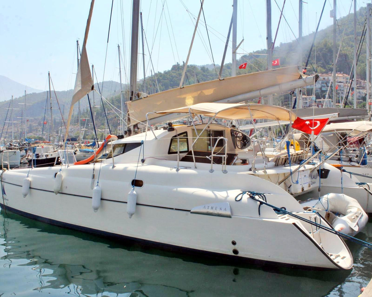 Fountaine Pajot Athena 38 4 Cabin Version