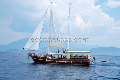 sailboat Caicco ATL 555