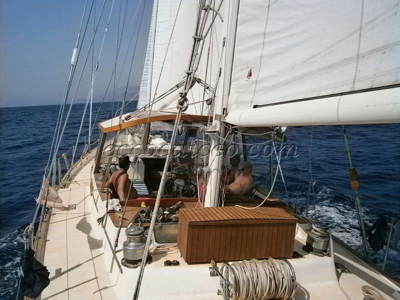 Irwin 65 Ketch ECO 686 - picture 2
