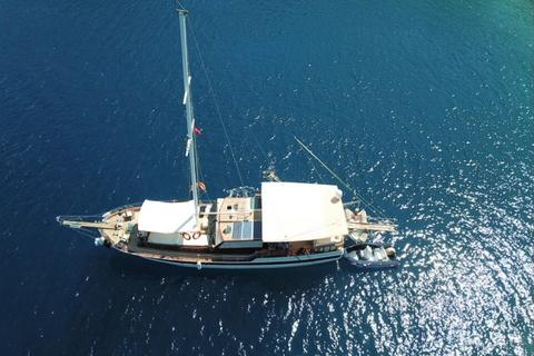 One off 18 m 3 Cabins Gulet