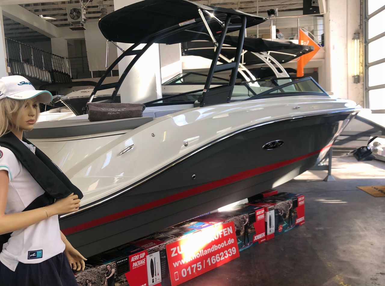 Sea Ray 230 Outboard 250 PS