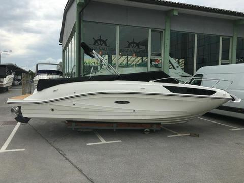 Sea Ray 230 Sun Sport - on Stock