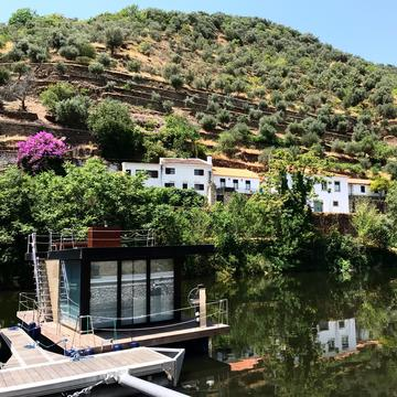 Waterlilly Outdoor - Houseboat